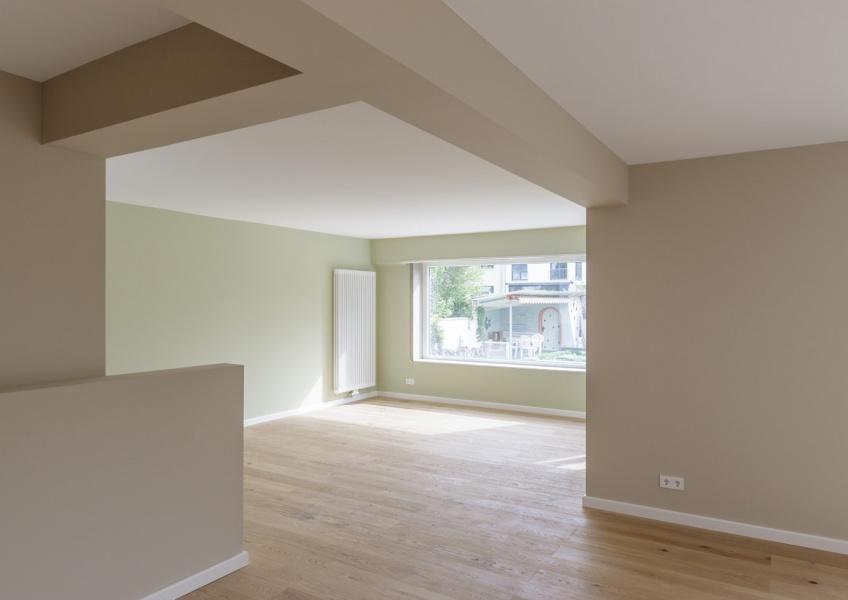 Erdgeschoss - Blick vom Wohn- in den Essbereich