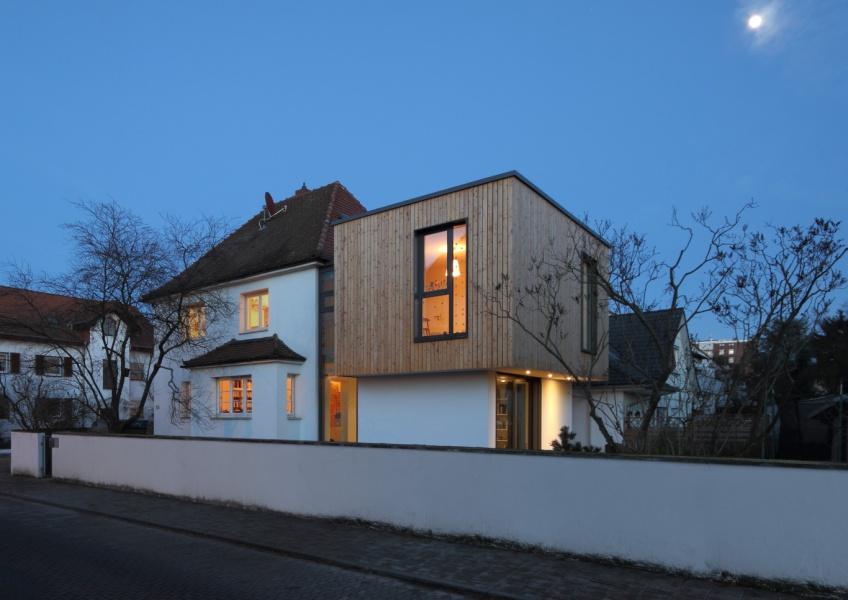 Wohnen im Garten - Anbau an ein Einfamilienhaus in Darmstadt